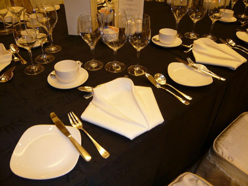 Divine image international singapore image consultant for Dining room etiquette